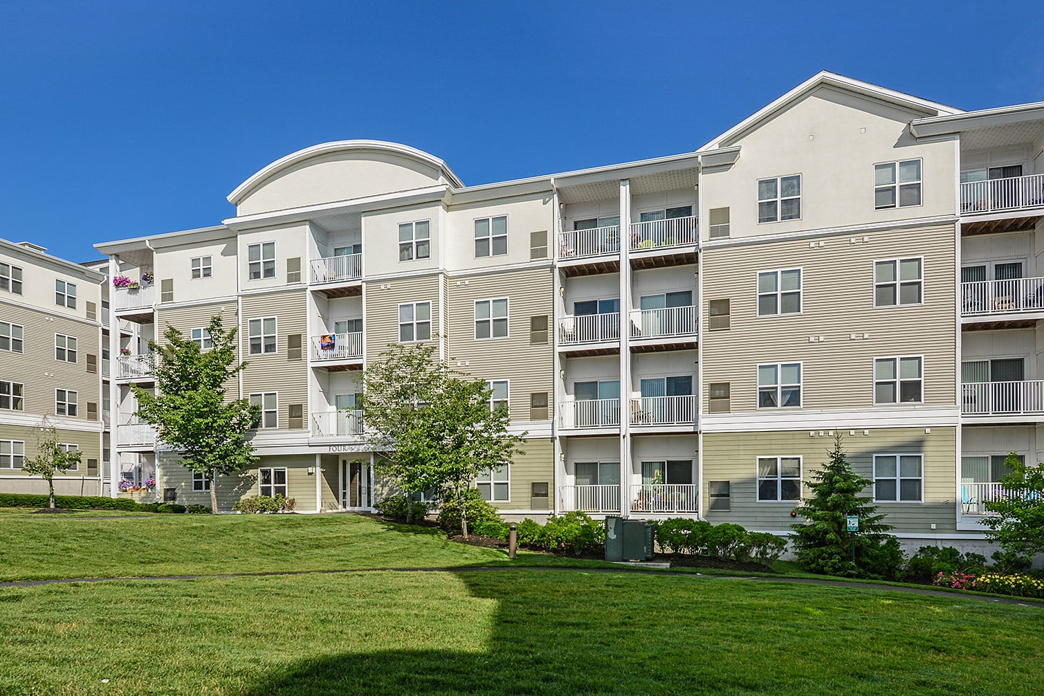 Endicott Green, Danvers MA apartments