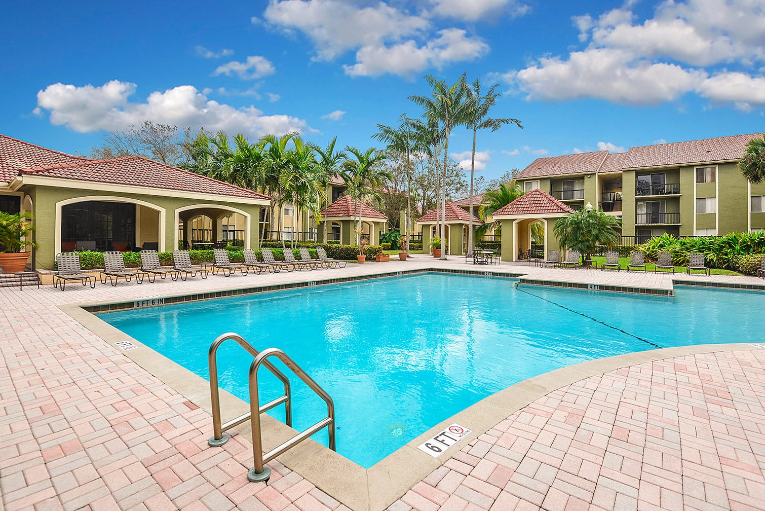 Cypress Shores, Coconut Creek apartments