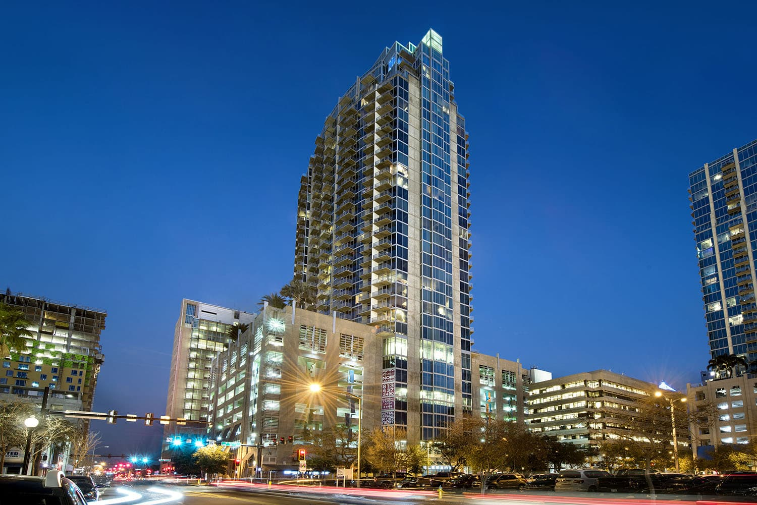 Element Is A 35 Story High Rise Apartment Community In Downtown Tampa That Offers The Best Location For Live Work Play Located Next To